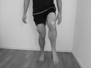 Hüftgelenks Adduktion und Kniegelenks Innenrotation in der Standbeinphase bei einem Läuferknie